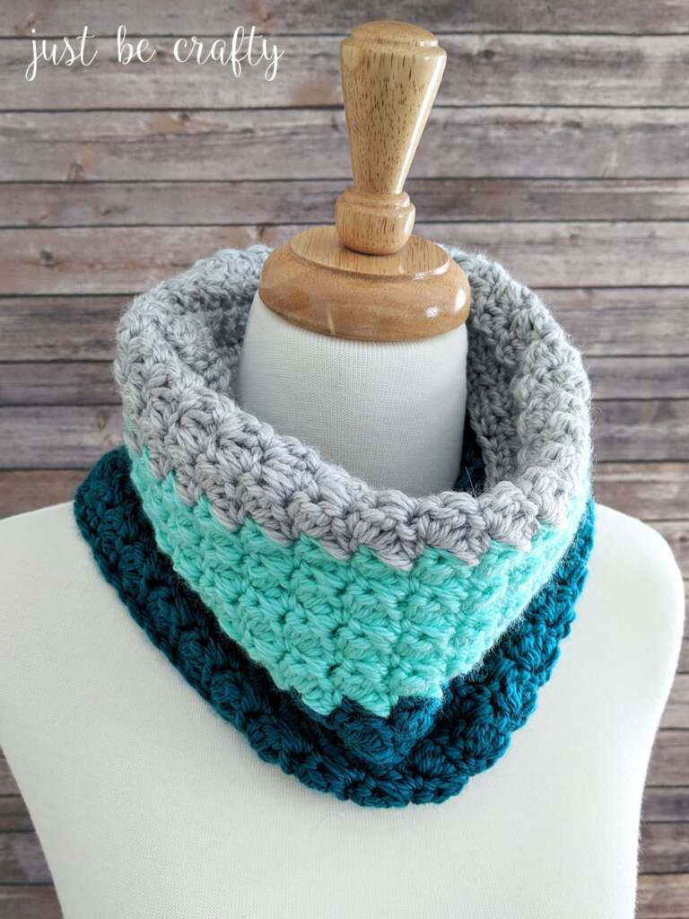 Mint Color Block Crochet Cowl Pattern from Just Be Crafty